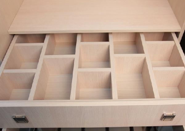 выдвижной ящик с ячейками для шкафа-купе