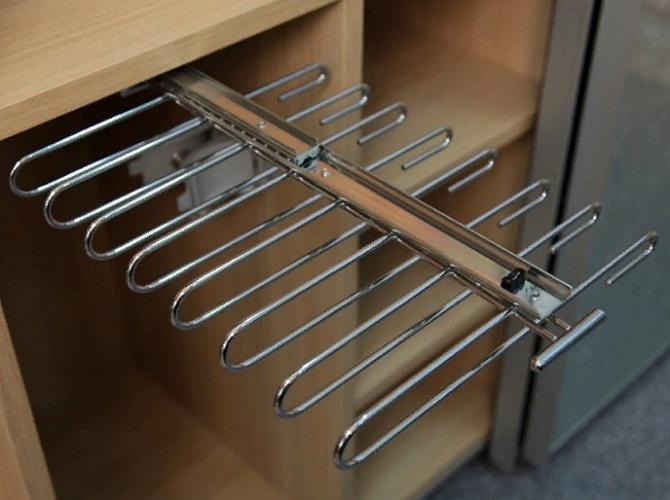 комбинированная брючница в шкаф-купе