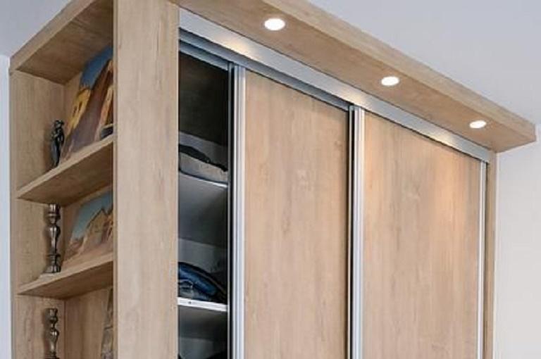 Как красиво оформить бока шкафа-купе