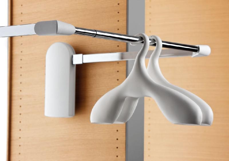 пантограф для одежды в шкаф
